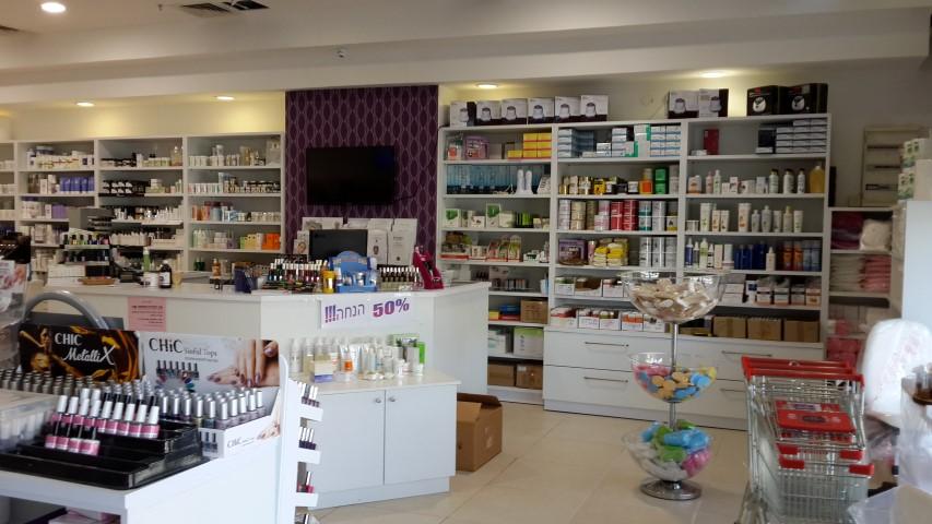 חנות למוצרי קוסמטיקה, איפור, ציפורניים, איפור קבוע, ריהוט ועוד בבאר שבע
